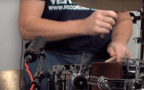 Drumset mit einem Mikro aufnehmen